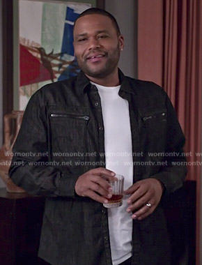 Andre's black zip pocket shirt on Black-ish