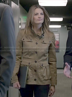Beckett's khaki field jacket on Castle