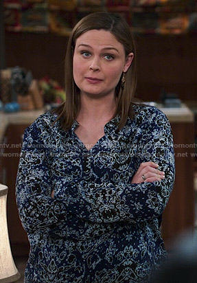 Brennan's blue printed top on Bones