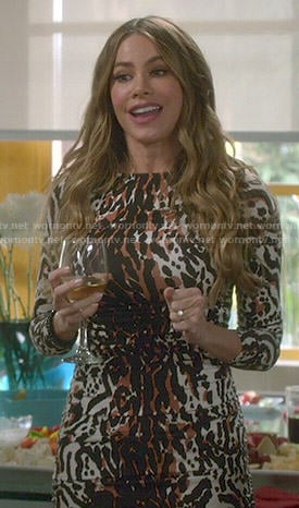 Gloria's leopard print dress on Modern Family