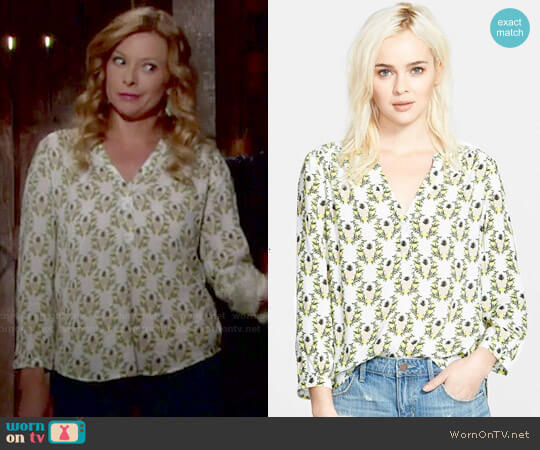 Hinge Henley Top in White Snow Pineapple Floral worn by Kelly on The Young and the Restless
