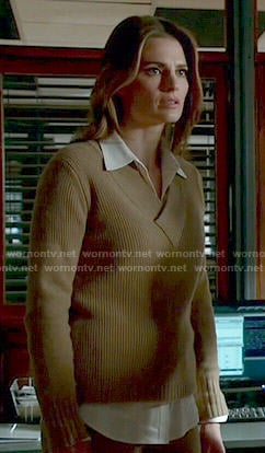 Kate's camel ribbed v-neck sweater on Castle