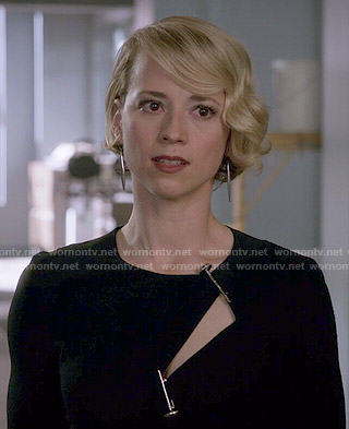 Margaux's black cutout dress with metal pins on Revenge