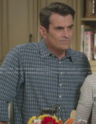 Phil's blue checked shirt on Modern Family