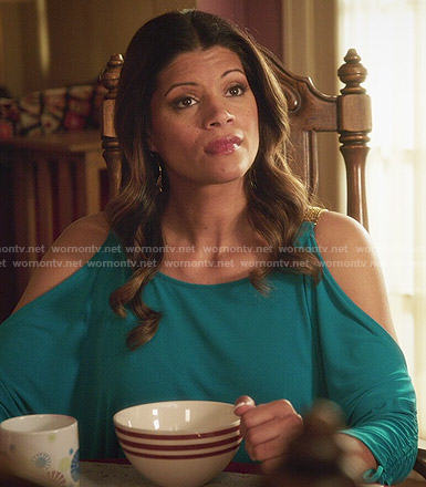 Xiomara's blue cold shoulder top on Jane the Virgin