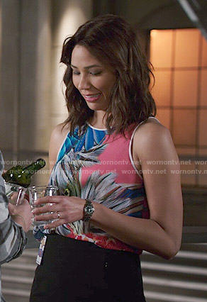 Angela's pink feather print top on Bones