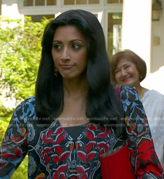 Divya's printed blouse on Royal Pains