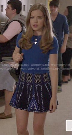 Emma's black and blue patterned skirt on Scream