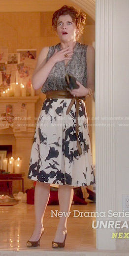 Evelyn's black and white floral skirt on Devious Maids