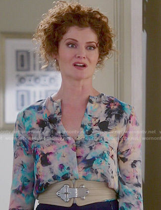 Evelyn's abstract floral printed blouse on Devious Maids