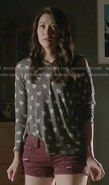 Kira's heart print sweater and burgundy shorts on Teen Wolf