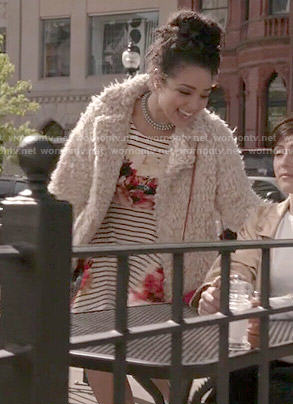 Beth's striped and floral dress on Chasing Life