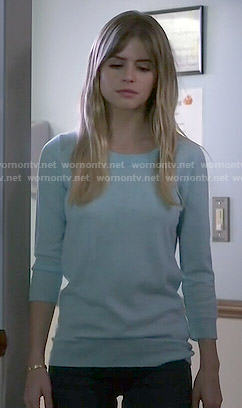 Brooke's blue sweater on Scream