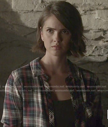 Malia's navy and red plaid shirt on Teen Wolf