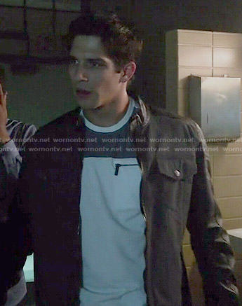 Scott's zip pocket shirt and leather sleeved jacket on Teen Wolf