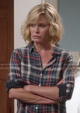 Claire's navy and red plaid shirt on Modern Family