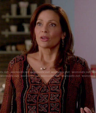 Regina's dotted floral print top on Switched at Birth