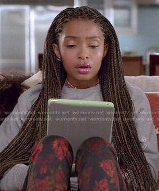 Wornontv Zoey S Grey Sweatshirt And Red Floral Jeans On Black Ish