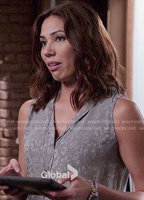 Angela's grey leopard print top on Bones