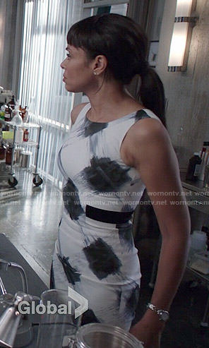 Camille's white and black paint print dress on Bones