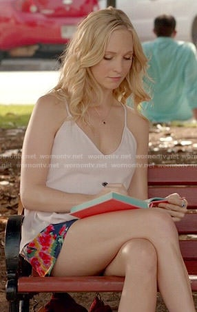 Caroline's white cami and blue floral shorts on The Vampire Diaries