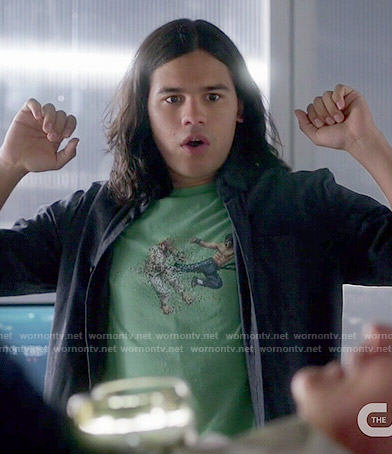 Cisco's green game graphic tee on The Flash