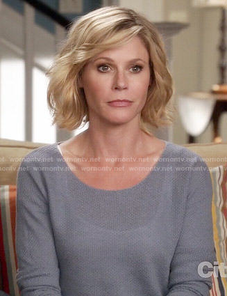 Claire's blue sweater on Modern Family