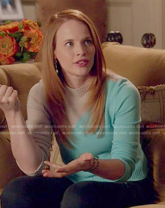 Daphne's blue and beige colorblock sweater on Switched at Birth