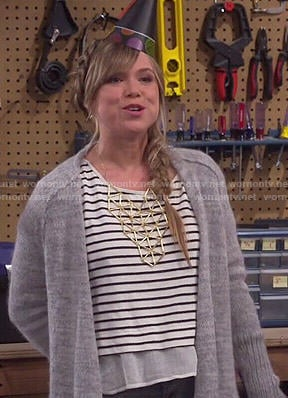 Kristin's striped layered top, long cardigan and gold geometric bib necklace on Last Man Standing