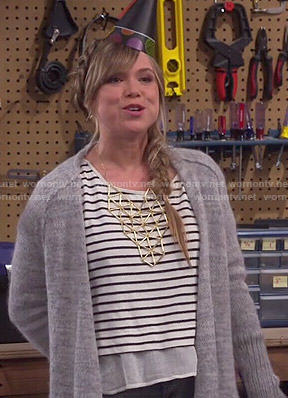Kristin's striped layered top and gold geometric bib necklace on Last Man Standing