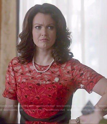 Mellie's red lace dress on Scandal