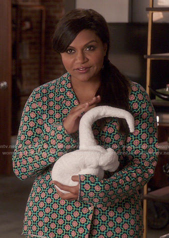 Mindy's black and green geometric print pajamas on The Mindy Project