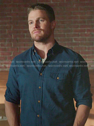 Oliver's blue button down shirt on Arrow