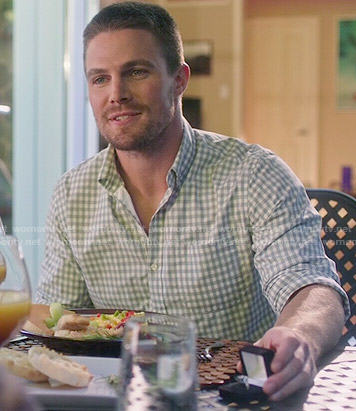 Oliver's grey gingham checked shirt on Arrow