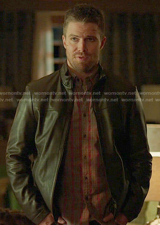 Oliver's grey and red plaid shirt on Arrow
