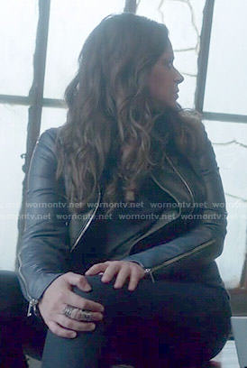 Quinn's black and blue leather jacket on Scandal