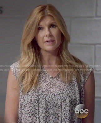 Rayna's grey floral sleeveless blouse on Nashville
