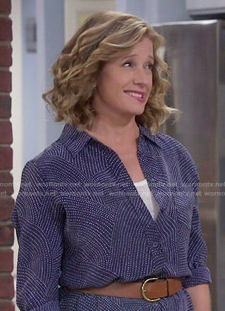 Vanessa's navy blue dotted print shirtdress on Last Man Standing