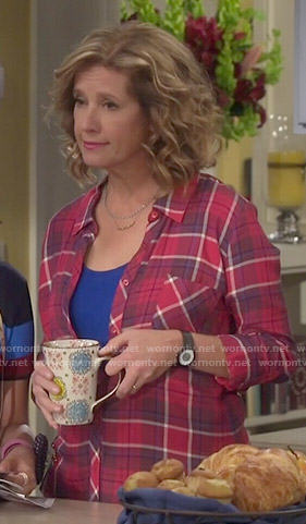 Vanessa's red plaid shirt on Last Man Standing