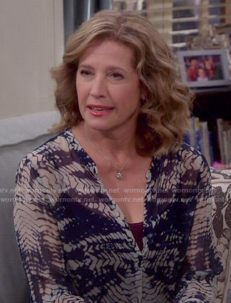 Vanessa's tie dyed blouse on Last Man Standing