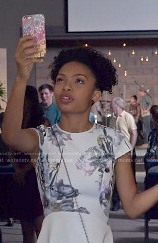 Zoey's mint floral cap sleeve dress on Black-ish
