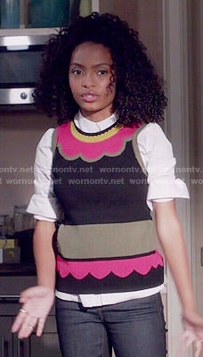 Zoey's scalloped print sweater vest on Black-ish