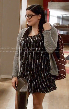 Alex's black arrow print dress on Modern Family