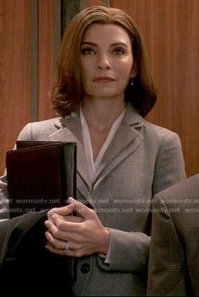 Alicia's grey blazer with layered collar on The Good Wife