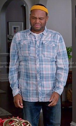 Andre's blue plaid shirt on Black-ish