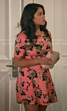 Jane's pink rose print dress on Jane the Virgin