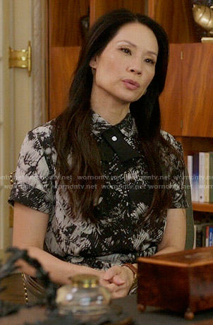 Joan's black and white printed shirtdress on Elementary