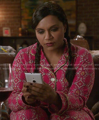 Mindy's pink printed pajamas on The Mindy Project