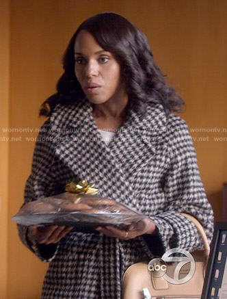 Olivia's houndstooth coat on Scandal