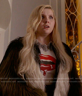 Chanel 5's lips graphic tee on Scream Queens